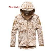 Wholesale 2015 HOT Men s Lurker Shark skin Soft Shell Outdoor Military Tactical Hiking Jacket Waterproof Windproof Sports Army camouflage cloth