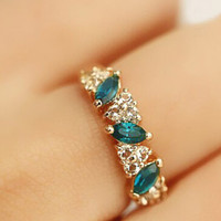 Wholesale 2015 New Crystal feeling Vintage green Ring Emerald sweet ring Peach heart ring for women