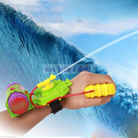 Wholesale New Plastic Wrist Water Gun Kids Child Boy Girl Water Spray Fun Educational Toy