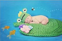 Cheap Crown Frog Hat + Blankets Newborn Photography Prop Caps Handmade Infant Baby Knit Costume Crochet Hat Accessories Free Shipping