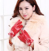 Wholesale 2014 Fashion Beautiful Fur Ball Leather Gloves for Winter Gloves Brand Mitten luvas Women Gloves