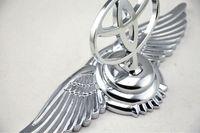 auto hood ornaments - TOYOTA Eagle Stand Mark Car Chrome Logo Hood Ornaments Badge Emblem Wing Zinc Alloy Metal Car Auto Front Emblems M23766