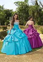 Wholesale Quinceanera Dresses Halter Ball Gowns Beads Sequined Taffeta Formal Prom Gowns Quinceanera Prom Dresses Blue Quince Dresses