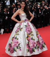 Cheap Free shipping Celebrity dress Evening dress sonam-kapoor-poses Cannes Festivel Myriam fares Strapless Floor length Ball gown Custome