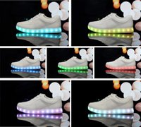 Wholesale 7 Colors LED shoes casual Skate board sneakers Women shoes large size LED Luminous shoes flat shoes Sports shoes Sneakers