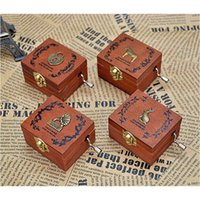 Wholesale Retro Wooden Musical Box Hand Crank Music Box Exquisite Workmanship Patterns for Option