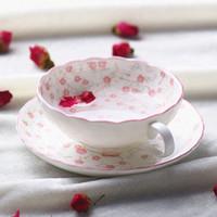 Expédition gros-sans arêtes Coupe Fleur Rouge mignon femmes sucre Café Eco Bone China Tea Cups Set Bureau Porcelaine Verres or