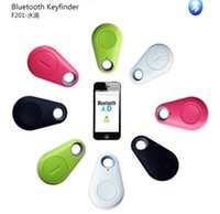 Wholesale Popular Wireless bluetooth tracer gps locator tag smart alarm wallet key pet tracker selfie for iPhone Android bluetooth keyfinder