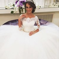 new york dresses - 2015 New York Fashionable White Wedding Dresses Ball Gowns Appliques Lace Long Sleeve Hollow Floor Length Bridal Dress Vestido De Noiva ZYY