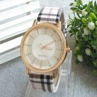 ¡2014 la nueva venta superior! El reloj de manera de cuero de las mujeres blancas negras de la calidad el mejor reloj de las mujeres viste los relojes el mejor regalo del envío libre
