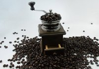 Wholesale Super cheap retro classic wooden hand cranked coffee grinder mini grinder