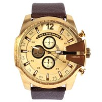 Wholesale Fashion Round Gold Dial Leather Band with Date Display Function and Sub Dials Decoration Wrist Watches for Men Gold Black