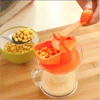 Wholesale New Hand Operated Kitchen Soy Milk Soymilk Juice Grinder Maker Machine Extractor