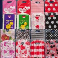 achat en gros de motif gros sacs-Grossiste-50pcs Lots Vente en gros Pretty Mixed Pattern Plastic Gift Jewelry Sac d'emballage sacs à provisions sacs 15X9CM