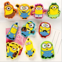 badge safety pins - Cute Despicable Me Minions Brooch PVC plastic Cartoon badge Safety pins for kids clothes school bags Christmas gift For Child W905
