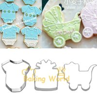 baby carriage cakes - Baby Carriages Cloth Gift Box Stainless Steel Cookie Cutter Birthday Cake Molds Metal Cupcake Sandwich Biscuit Decoration Tool