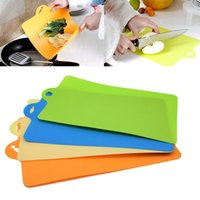 Wholesale 4 Colors Kitchjen Cooking Tools Chopping Block High Quality Plastic Fruit Vegetable Meat Cutting Board