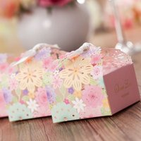 wedding favours - Creative New Spring Gift Favours Continental Pink Flowers Laser Cut Hollow Wedding Favor Boxes High Grade Paper Favor Boxes With Bow