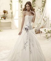 Wholesale Modern newest design A line wedding dresses elegant embroidery strapless sexy backless court train church bridal gowns