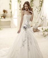 Modernos 2015 más reciente diseño de Una línea de vestidos de boda elegante bordado sin tirantes sexy sin respaldo tribunal tren de la iglesia vestidos de novia