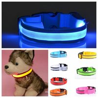 Wholesale LED Flashing Dog Harness New Good quality Adjustable Neck belt Pet Harness Dog Cat Necklaces Collar and Leash with battery