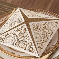 Wholesale Ivory Laser Cut Wedding Invitations Gold Blank Inner Sheet Wedding Invitation Card Flowers Gold Lace Hollow Wedding Cards Personalized