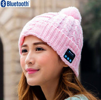 Wholesale Christmas gift Wireless Speaker Bluetooth Receiver Winter Warm Hat Audio Music Speaker Bluetooth Smart Hat Headset Headphone
