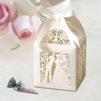 Wholesale 120pcs cm Decorating Bride and Groom Laser Cut wedding favour box hanamde gift wedding souvenir candy box