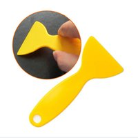 Wholesale Plastic Yellow Small Car Scraper Wiper Plate Glass Auto Sticker Tools Scraper Applicator Tools Hot Sale HO673909