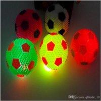 spike ball - 2015 NEW cm Flashing SPIKE BALL Spikey Massage Bounce Light Sound Sensory Flashing Elastic luminous led jumping football TOPB3426