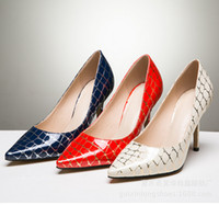 Wholesale The new shallow pointed mouth women s shoes Beautiful with nightclubs plaid pointed high heel shoes
