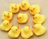 Giocattoli XMAS Bagnetto Acqua giocattolo Suoni Yellow Rubber Ducks lot Fedex libera il trasporto Regali bambini Bagno bambini Swiming Beach 10,000pcs
