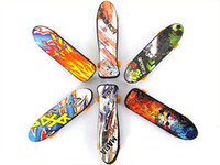 finger skate board - High Quality CM Cute Party Favor Kids children Mini Finger Board Fingerboard Skate Boarding Toys Gift yh018