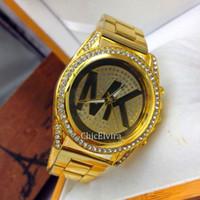 Wholesale New Mens Stainless Steel Watch Fashion Metal Quartz wrist watches for Women Unisex luxury watches Geneva Crystal Watches Gold watches