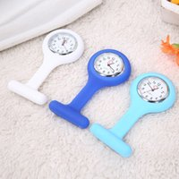 nurse gifts - New Arrive Promotion Christmas Gifts Colorful Nurse Brooch Fob Tunic Pocket Watch Silicone Cover Nurse Watches F0032