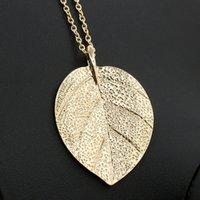 al por mayor collar de la hoja de metal de oro-La hoja de oro punky de la nueva vendimia europea simple de la manera deja las mujeres pendientes de la joyería del encanto de la cadena de la clavícula del collar que envían libremente E147