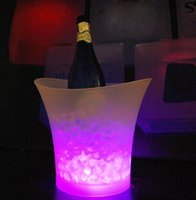 Wholesale 4Pcs Litre waterproof plastic LED Ice Bucket color changing L bars nightclubs LED light up Champagne beer ice pail bucket