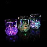 plastic beer cup - Plastic LED Light Glow Flash Drink Beer Beverage Cup Glass Mug Weddings Party Bar LED induction Cup luminous cup supplies