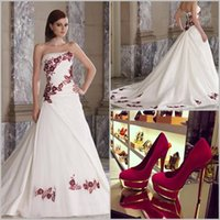 wedding black and white - 2015 Elegant Strapless A line Satin Robe De Marier Cheap Red and White Wedding Dresses Wedding Gowns LS091175