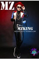 Wholesale Male singer clubs in Europe and the runway looks red white and blue stitching motorcycle jacket fur costumes S xl