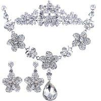Cheap BX51 Pretty good Korean jewelry diamond pendant flowers bridal jewelry necklace three-piece wedding dress wedding accessories