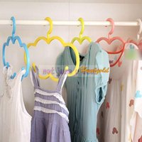 Wholesale New Clouds Plastic Non Slip Clothes Horse Clotheshorse Creative Clothing Hangers