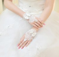 Wholesale Fingerless Wedding Gloves Lace Ivory White Short Flower Beading Evening Party Homecoming Bohemian Dresses Accessories BG002