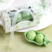 Wholesale Boxed Two Peas in a Pod Salt Pepper Shakers Wedding Party Baby Shower Favors