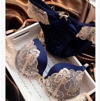Wholesale European and American classic casual dress sexy lace underwear bra set