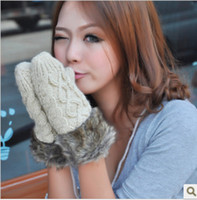 Wholesale 2016 Korean winter hand woven thick warm fur fashion hanging neck wool gloves B142
