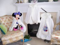 Wholesale 2016 Cute mickey Girls Cape Ivory White Bridal Wedding Cloak Faux Fur Jacket For pageant brides for girls Outerwear with hand warm