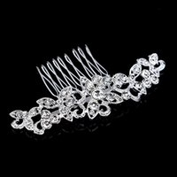 beautiful gift shop - 2015 New Women Girls Gift Crysta Bridal Accessories Hair Combs Trendy Fashion Jewelry Beautiful Shining Crystal For Girls Cheap Bridal Shops