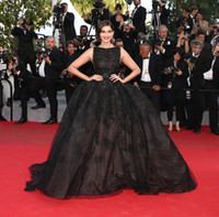 Cheap Sonam Kapoor Elie Saab Cannes Black Celebrity Dresses Evening Gowns Ball Gown Backless Applique robe de soiree kaftan Evening Party Dresses