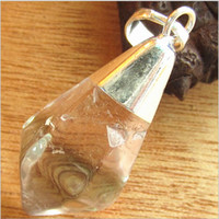 Wholesale Charm gold Plated Natural pink Quartz opal Stone Hexagon Shape Chakra Healing Pendant Necklace with a chain